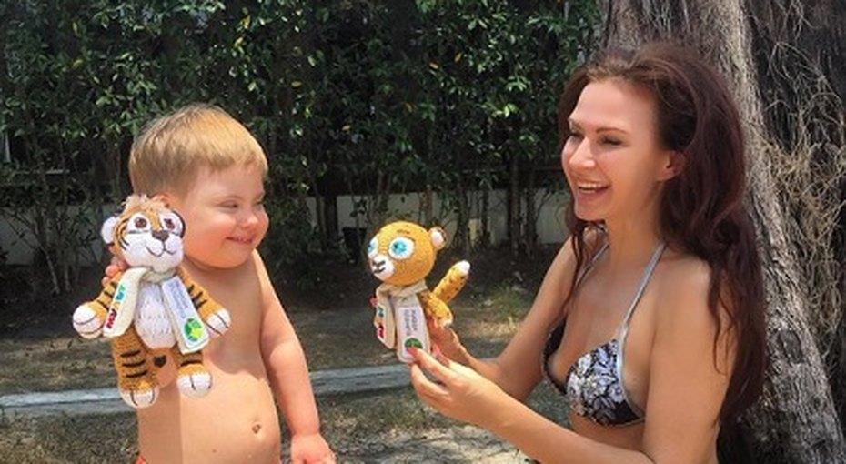 Эвелина Бледанс отметила четырехлетие «солнечного» сына вТаиланде