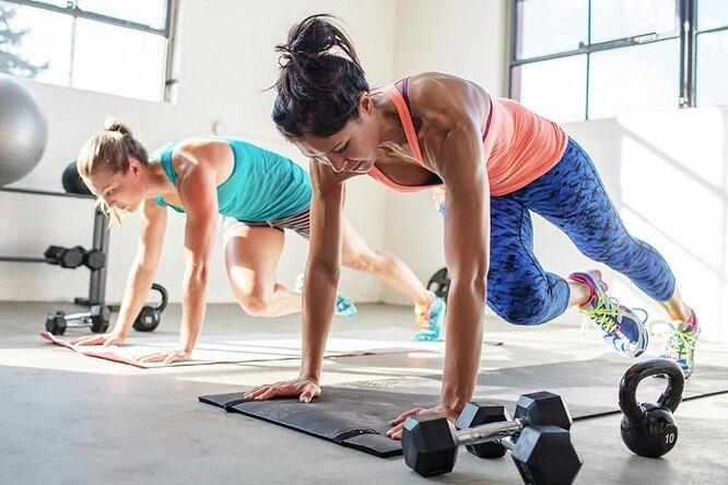 Три простых, но очень эффективных комплекса упражнений, которые можно делать где икогда угодно