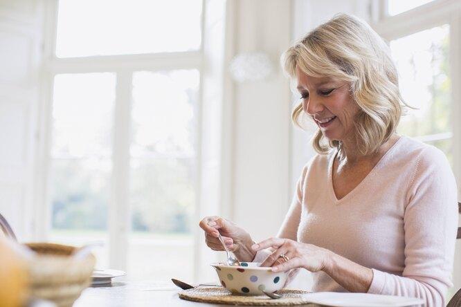 11 продуктов, которые обязательно нужно есть после 50 лет