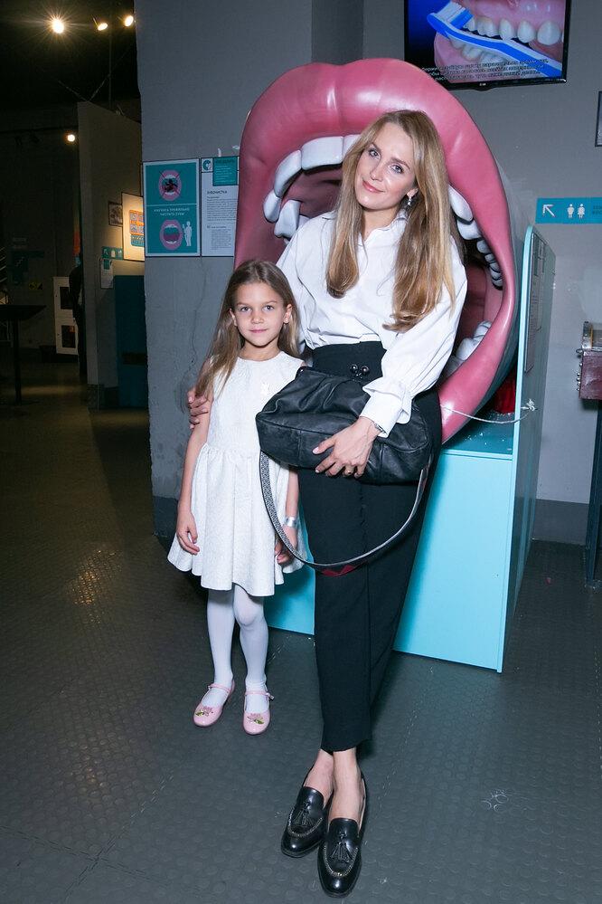Елена Дудина с дочкой