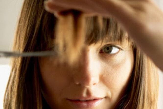 Все женщины делают это: 5 заповедей, которые помогут подстричься самой дома