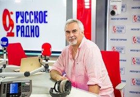«Какие все красивые»: Валерий Меладзе выложил фото с 85-летним отцом и мамой