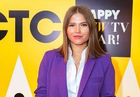 «Платье огненное!» Юлия Топольницкая восхитила летним образом