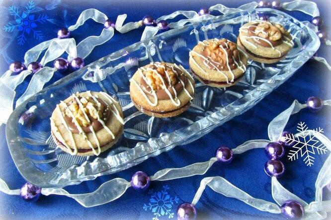 Праздничное печенье с джемом