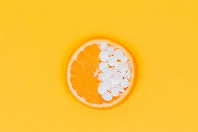 нужно ли пить витамин С или лучше есть цитрусовые?