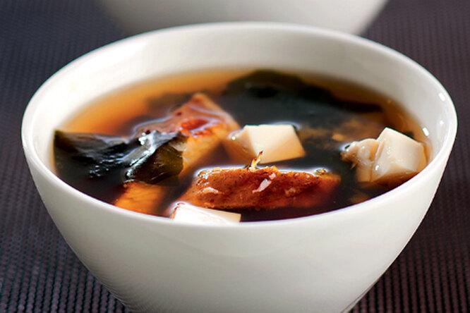 Суп мисо с копченым угрем