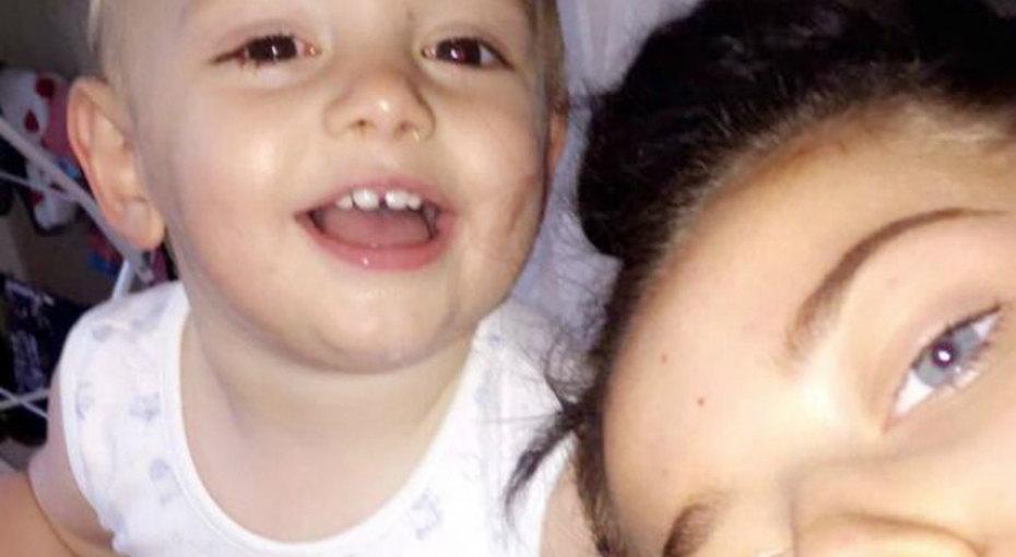 Девушка, ставшая матерью в15 лет, отметила первый год своего сына
