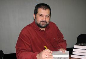 Писатель Сергей Лукьяненко жестко высказался о внешности феминистки