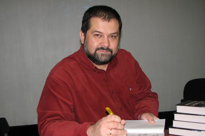 Писатель Сергей Лукьяненко жестко высказался овнешности феминистки
