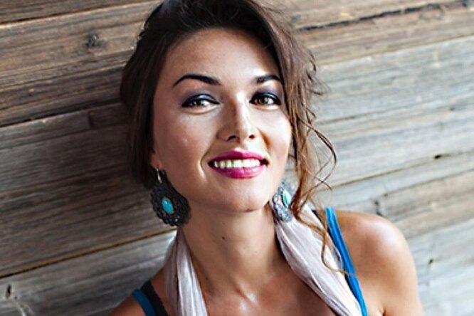 «За мной присматривала собака»: звезда «Не родись красивой» Юлия Такшина рассказала одетстве