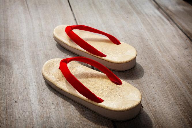 Каблуки вредны. А плоская подошва? Как ненавредить себе привыборе обуви