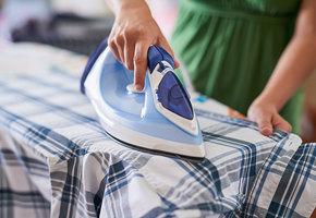 Как убрать следы от утюга с одежды