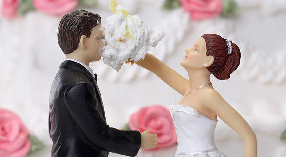 «Слишком громко жует!»: 8 историй остранных причинах развода