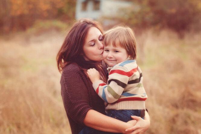 «Ребенку ненужна идеальная мать»: Людмила Петрановская ородительских ловушках