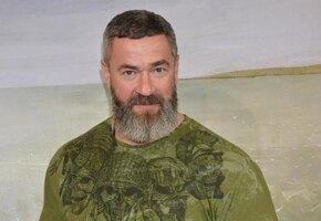«Хорошая растяжка»: 50-летний Сергей Бадюк показал поперечный шпагат