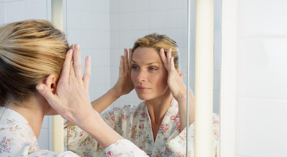 Всего 5 минут вдень: как избавиться отморщин налбу ив уголках глаз