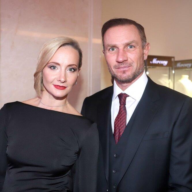 Оксана Домнина и Роман Костомаров