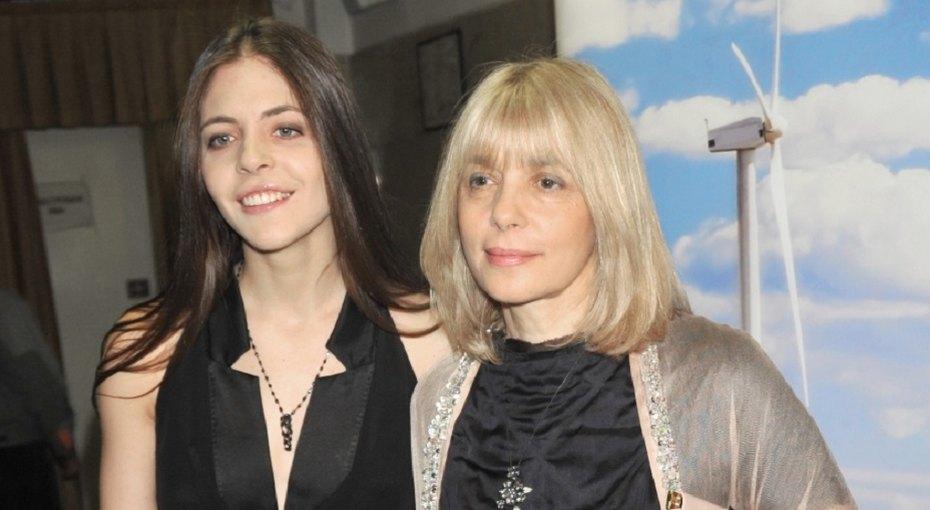«Наши неразлучники»: дочь Веры Глаголевой поделилась фотографией троих внуков актрисы