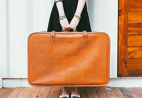 Как обезопасить багаж во время путешествий в поезде и самолете