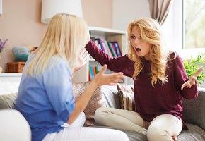Сейчас поссоримся! 10 фраз, которые точно обидят вашего подростка