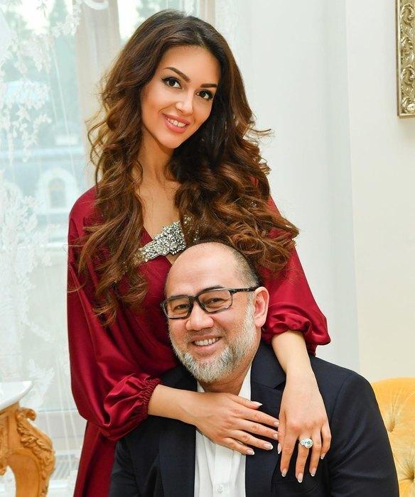 Оксана Воеводина вышла замуж за короля Малайзии Мухаммада