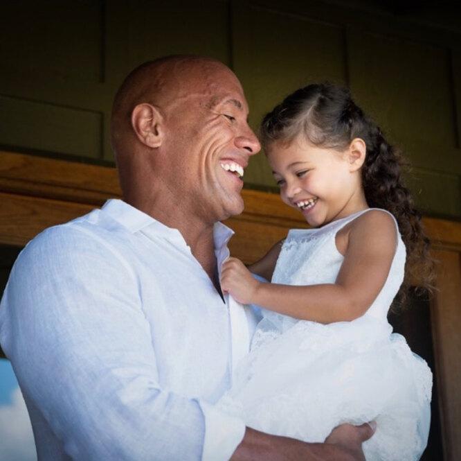 Дуэйн Джонсон со средней дочерью Жасмин