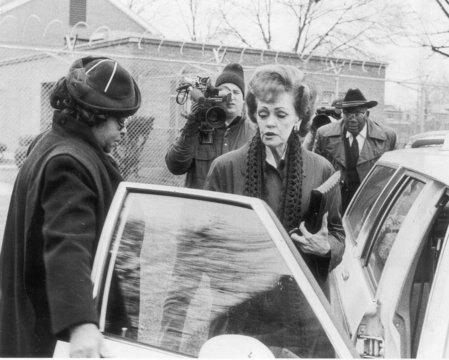 Гертруда Банишевски во время освобождения из тюрьмы