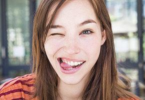 6 гримас красоты: выдвиньте челюсть, надуйте щеки и другие упражнения от морщин