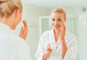 Как ухаживать за кожей осенью и зимой: советы косметолога