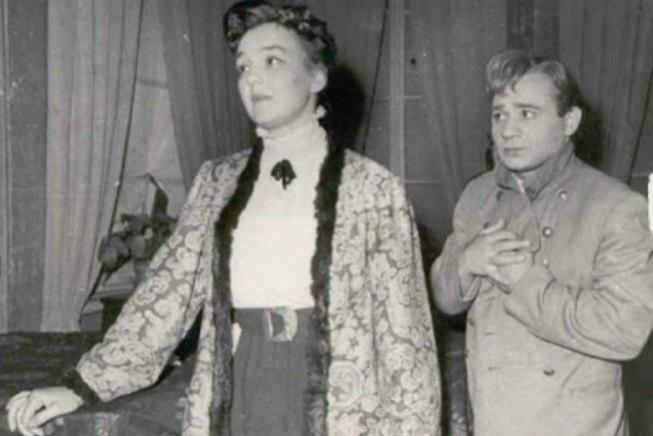 Евгений Леонов и Ванда Стойлова. Спектакль «Дни Турбиных», 1954 год.