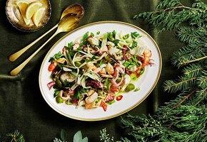 Не только оливье! Рецепт отличного салата с морепродуктами