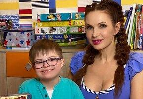 «Сёмина Вера»: 8-летний сын Эвелины Блёданс встретился с годовалой сестрой