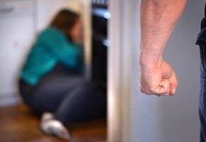 Соседи два часа звонили в полицию, пока экс-бойфренд убивал 23-летнюю девушку