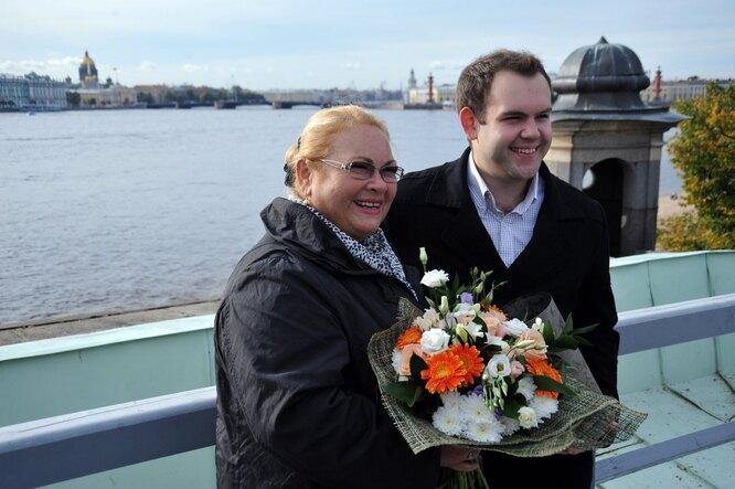 Нина Усатова с сыном