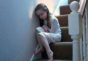 8 способов помочь ребенку из токсичной семьи