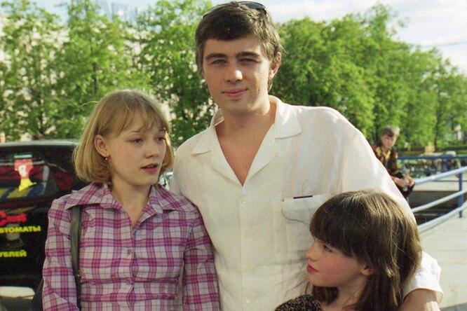 «Очень похожа намаму»: 21-летняя дочь Сергея Бодрова-младшего коротко постриглась идебютировала как ведущая