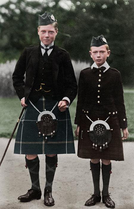 Будущий король Эдуард VIII с младшим братом - принцем Генрихом Уэльским