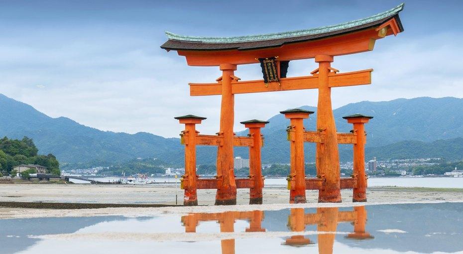 Как дамы внезавязанных кимоно создали японскую литературу