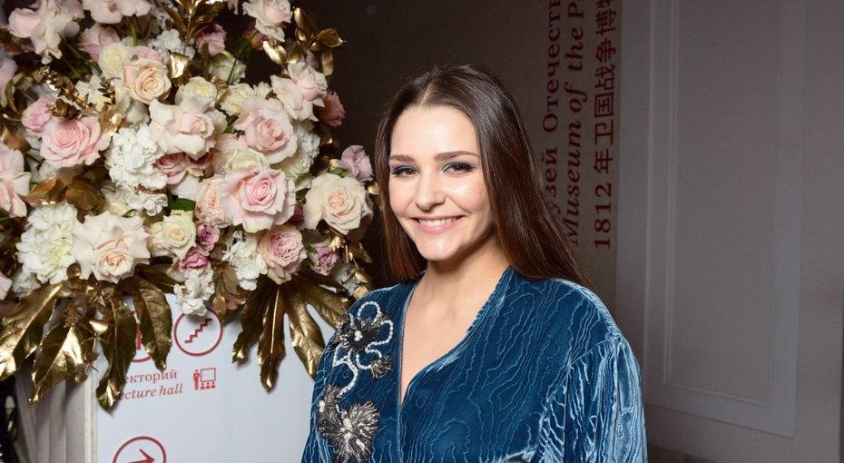 «Как близняшки»: Глафира Тарханова выложила фото ссестрой Иларией