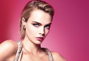 Be Dior. Be Pink: Бренд представил коллекцию помад Dior Addict Stellar Shine