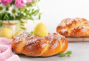 Пасхальная выпечка разных стран: райндлинг, гугельхопф, булочки, пирог и хлеб