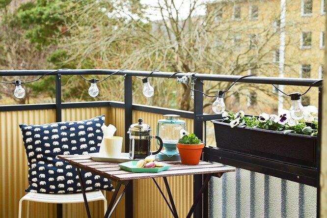 Как превратить незастекленный балкон впатио длялетнего отдыха
