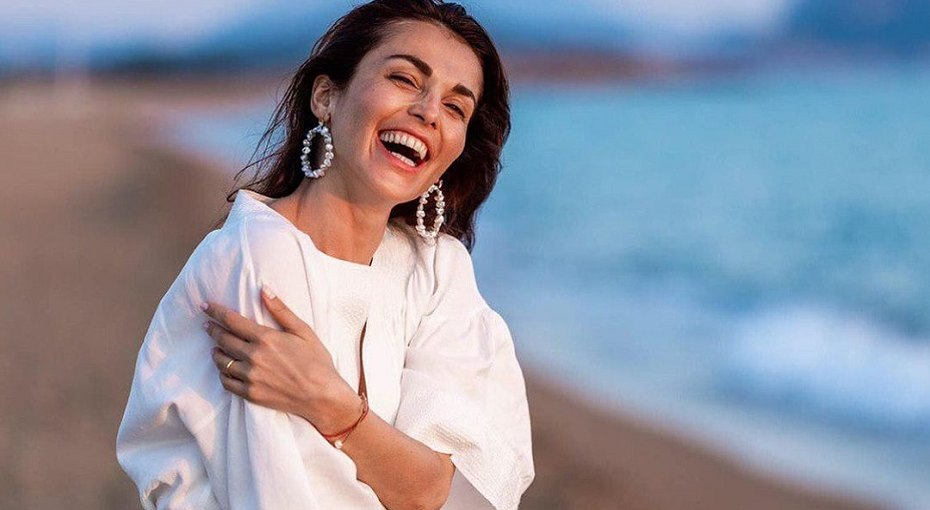 «Тот самый человек»: Сати Казанова опубликовала романтичное фото смужем-итальянцем