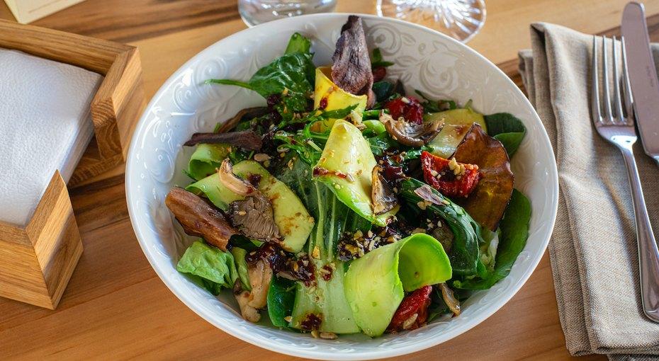 Три рецепта постных салатов, которые помогут вам полюбить блюда безмяса