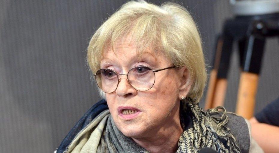 Алиса Фрейндлих неходит наспектакли внука сучастием Анастасии Стоцкой