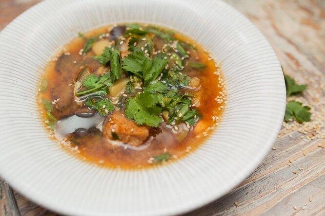 Корейский суп пуктяй
