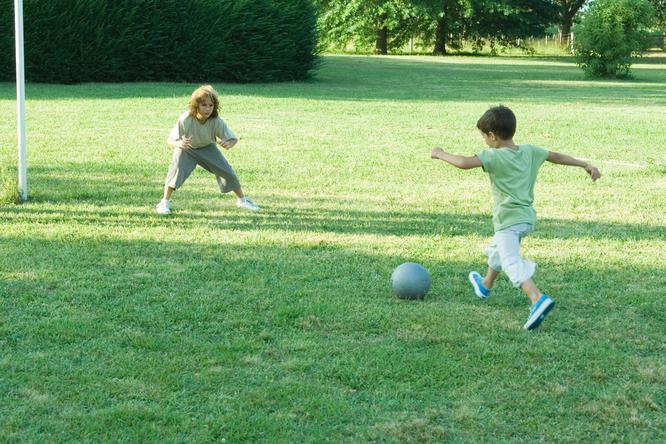 В российских школах введут футбол длядевочек? Детали нового проекта
