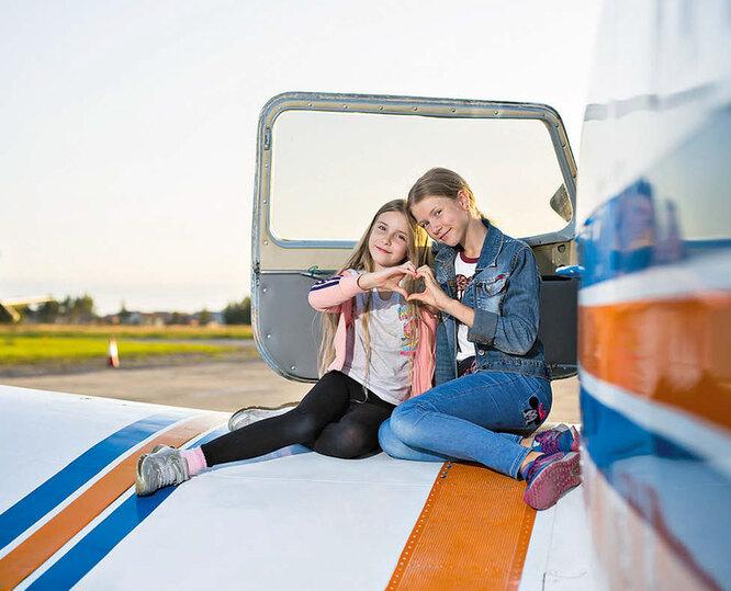 Дочери Юлии – Мила (10 лет) и Алиса (12 лет)