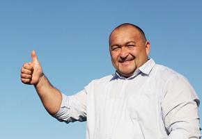 Самый сильный человек России сдвинул 36-тонный самолет, установив рекорд