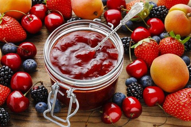 Ароматное варенье из смеси ягод